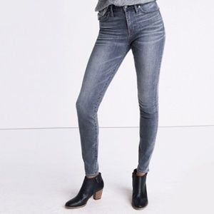 """Madewell // 9"""" High Riser Skinny Jeans in Shaw"""